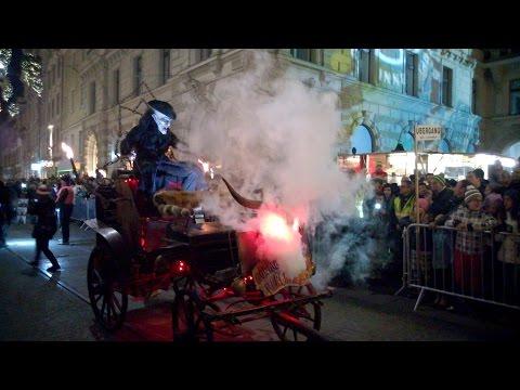 Krampuslauf Graz 2015 in voller Länge 悪魔 町に Graz オーストリア